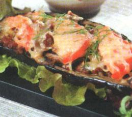 Баклажан, фаршированный мясом и грибами