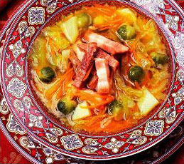Суп капустный с копченой грудинкой