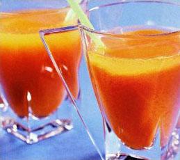 Напиток морковный с лимоном и медом
