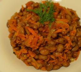 Фасоль тушеная с морковью и луком