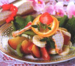 Фруктовый салат с курицей и имбирем
