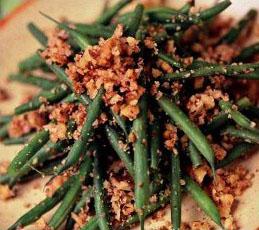 Салат из зеленой фасоли с грецкими орехами