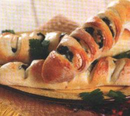 Хлеб с оливками и маслинами