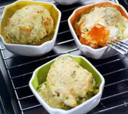 Яйца, запеченные в соусе из шампиньонов