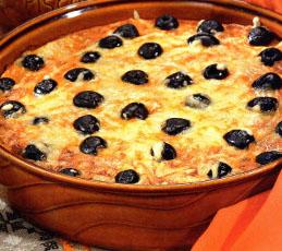 Клафути из тунца с черными оливками