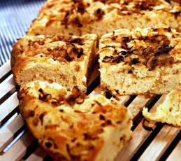 Луковый хлеб по-итальянски (в микроволновой печи)