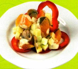 Пестрый салат с мандаринами