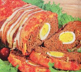 Рулет с яйцом и беконом из рубленного мяса