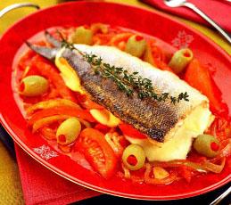 Рыба в овощном соусе