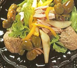 Салат из курицы и груши