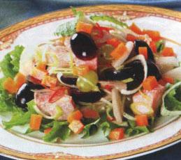 Салат с семгой и виноградом