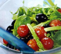 Салат с жареными помидорами и спаржей