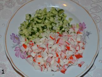 Салат крабовый с огурцом приготовление