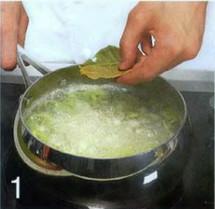 Холодный вишисуаз из петрушки с сырными палочками приготовление