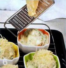 Яйца, запеченные в соусе из шампиньонов  приготовление