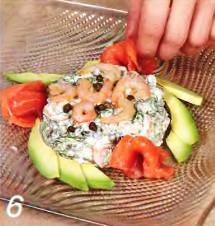 Копченая форель с креветочным салатом приготовление
