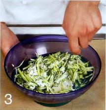 Паровая форель с соусом из кресс-салата приготовление