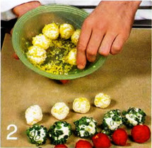 Салат из креветок с творожными шариками приготовление