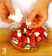 Салат из помидоров с брынзой  приготовление