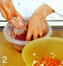 Салат из свеклы и моркови приготовление
