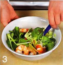 Салат с фенхелем и креветками приготовление