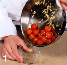 Салат с жареными помидорами и спаржей приготовление