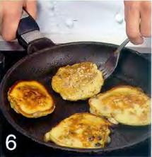 Шотландские оладьи с соусом из изюма приготовление