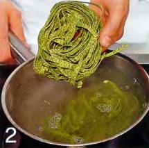 Шпинатная лапша с креветками приготовление