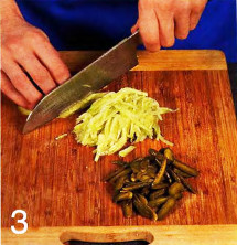 Швейцарский новогодний салат приготовление