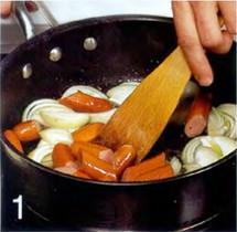 Сосиски с фасолью на тартилье приготовление