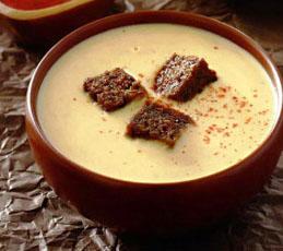 Сырный суп на пиве с гренками