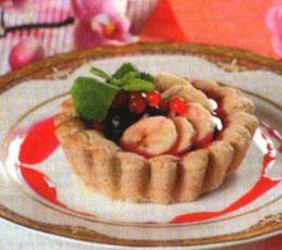 Тарталетки с бананами и вишневой карамелью