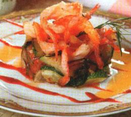 Жареные креветки с овощами